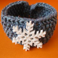 Snowflake Bracelet by handmadefuzzy on Zibbet