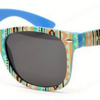 Amazon.com: Aztec Wayfarer Sunglasses Santa Fe Indian (Green): Clothing
