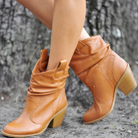 Talk Of The Town Boots: Camel | Hope&#x27;s