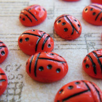 vintage ladybug petite glass cabs red black etching sweet German 10 x 8mm  (10)