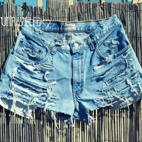 High Waisted Shorts (MEDIUM)