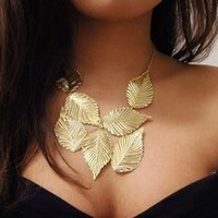 Vixen Boutique — Bronze Leaf Necklace