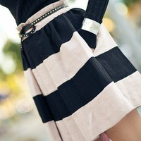 Stylish / Love this! subtly nautical and classic