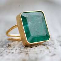 Gold Green Emerald Ring  Rectangular Cut  Bold Ring by OhKuol