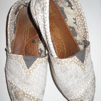 Custom Fabric Covered Toms Shoes Cover your old Toms by FancyToms