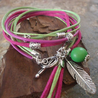 FEBRUARY green and berry leather wrap bracelet by AsaiBolivien 10,90 $