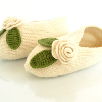 Handmade Ivory White Fine Merino Wool Slippers MADE by Yanettine