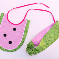 Matching Mommy and Baby, Mommy and Me Bib and Fabric headband.  Watermelon themed.  Both are reversible.  Green and Pink