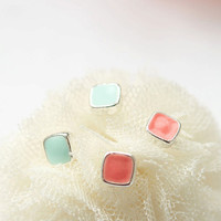 Tiny squares stud earringsversion 2 / choose your color by laonato