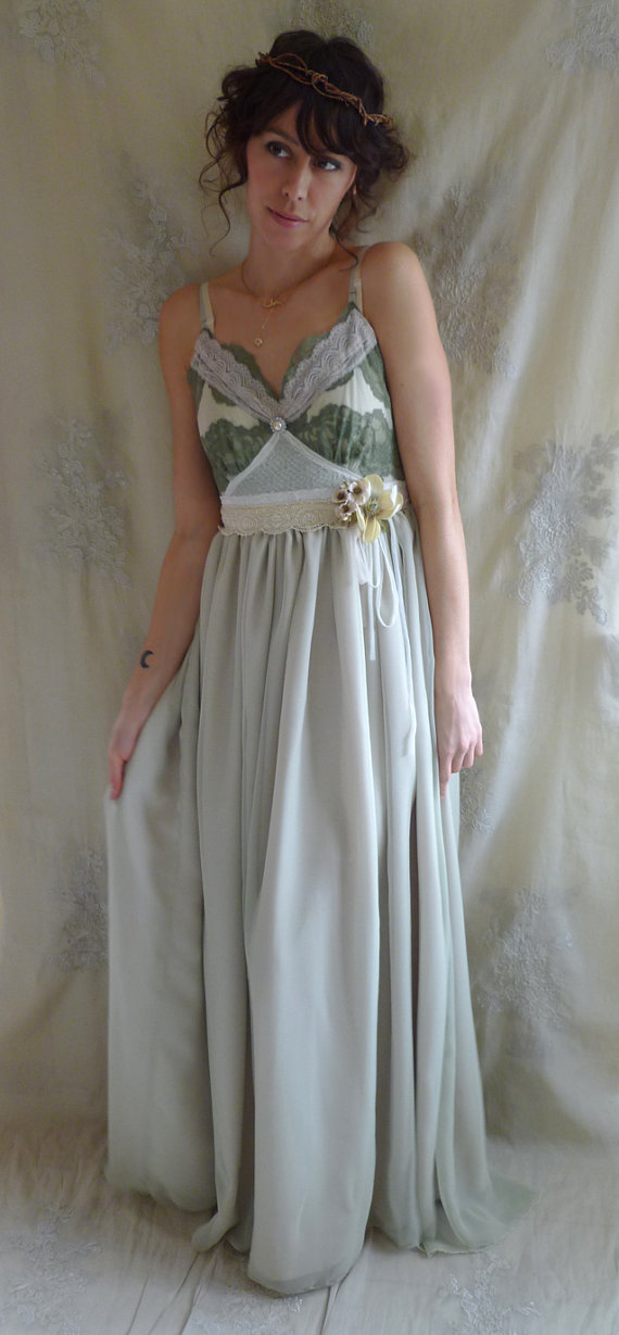 Woodland creature wedding gown size from jadadreaming for Woodland fairy wedding dress