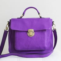 classic leather satchel  vignette in vibrant by zhenunleathers