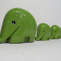 Set of 4 Vintage LUIGI COLANI Elephant 1960s Green by windesign