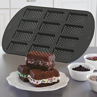 Ice Cream Sandwich Cookie Pan @ Fresh Finds