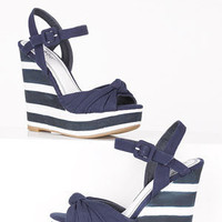 dELiAs > Evita Wedge > shoes > view all shoes