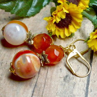 Red Banded Carnelian Eye Agate and Hamilton Gold Dangle Earrings