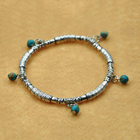 Handmade Bracelet: Simple is Beauty