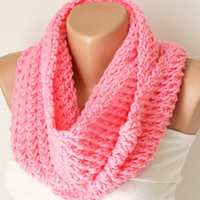 Infinity Scarf, Loop Scarf, Circle Scarf, Winter Cowl - Pink  Chunky