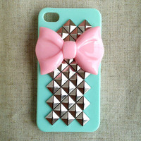 Pink Bow With Pyramid Studded Iphone 4/4s/5