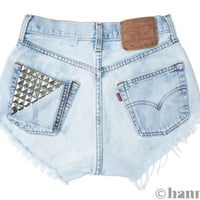 ALL SIZES PEEK Vintage Levi highwaisted denim shorts by Hanmattan