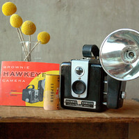 Vintage Camera Kodak Brownie Hawkeye Flash Outfit with Box by vint