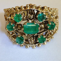 Emerald Wedding Ring in 14k  Gold. Your opportunity to buy a fantastic natural Emerald Wedding or Engagement Ring  in Vintage setting