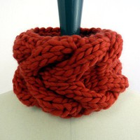 Le Petit Snood - Chunky Knit Pure Merino Wool Cowl in Rose Red. Heart Inspired Motif. Spring and Winter Fashion Handmade in France.
