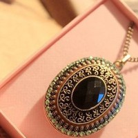 Blue Color Gem with Vintage Floral Pattern Necklace [499]