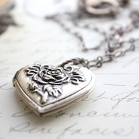 Locket Necklace Heart Keepsake Pendant Silver Etched Rose Photo Locket Long Necklace Enchanted Accessories Timeless Memories Mementos
