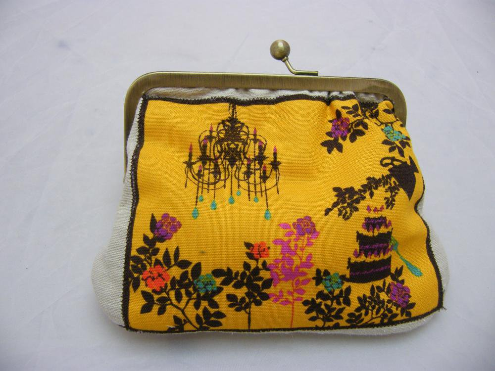 "6"" Fabby Purse - Tea Party: Yellow On Cream 