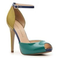 Audrey Brooke Beauty Pump