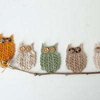 Crochet Owl Pin, Gold, green, ecru, beige