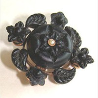1930s Small Vintage Art Deco Black Glass Pin