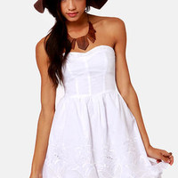 Pretty as a Picnic Strapless White Dress
