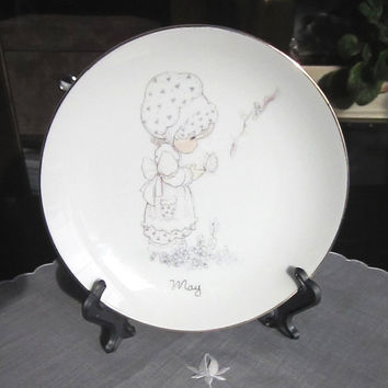 Precious Moments May decorative plate, Jonathan & David 1983 Enesco, May is but a breath of Spring