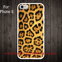 iPhone 5 Case Leopard Decal iPhone 5 Case, cheetah Decal graphic white iphone 5 case