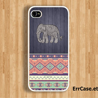The Elephant on Dark Wood and Seamless Aztec Case : Iphone 4/4s case Iphone 5 case