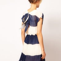 Navy & White Nautical Stripes