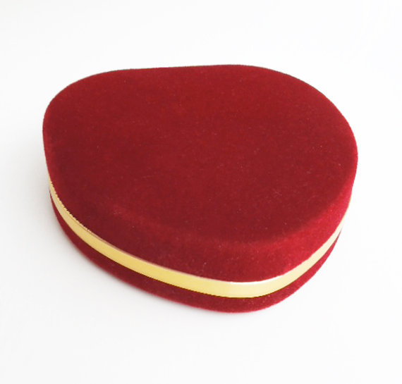 Red velvet jewelry box trinket box ring from indiecreativ for Red velvet jewelry gift boxes