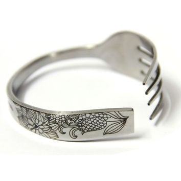 Carved Cornflower Fork-shaped Bracelet