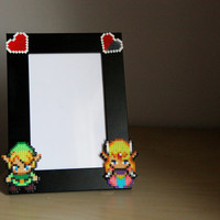 Legend of Zelda Photo Frame. Black Pîcture Frame. Choose between two different Zelda Sprites