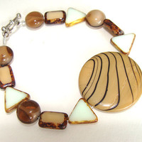 Shell And Czech Glass Beaded Bracelet Light Brown Shell Bead And Brown With White Czech Beads