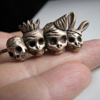 Day of the dead skull ring knuckle duster by AnnaSiivonen on Etsy