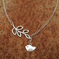 Bridesmaid gift Necklace-bird necklace with leaves pendant, sweet gift for friends