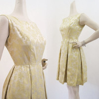 50s 60s Dress Vintage Pastel Yellow Brocade Damask Full Skirt Party Dress S XS