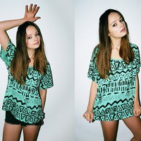 Green Color Fashion Graffiti/Geometric Patterns T-Shirt [703]