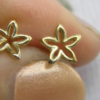 Gold Flower Stud Earrings  Small Flower by DaliaShamirJewelry