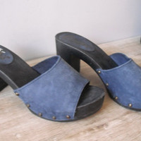 vintage 70s 80s Candies Clogs .. navy and black .. leather