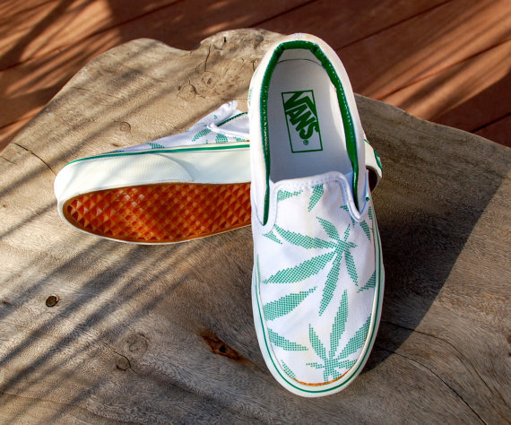 "Vintage ""Peace Leaf"" Vans - Rare - White/Green Pot/Marijuana Leaf Vans"