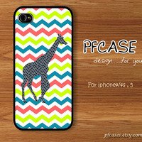 Giraffe with colorful chevron Pattern : Handmade Case for Iphone 4/4s , Iphone 5 Case Iphone