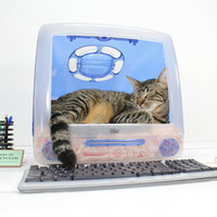 "Upcycled Apple Computer Pet Bed - iMac - ""Think different"""